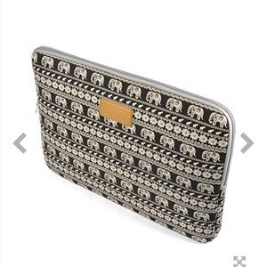 "Handbags - 13"" Bohemian Elephant Pattern Laptop Sleeve"
